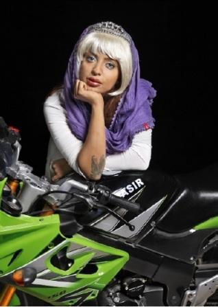 Shirin Aliabadi - city girl 5.jpg