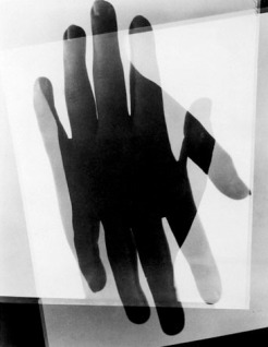 man-ray-hands
